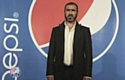 Éric Cantona et les Kaïra Shopping pour Pepsi