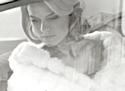 Alice Eve dans le rôle de Carole pour Stella Artois