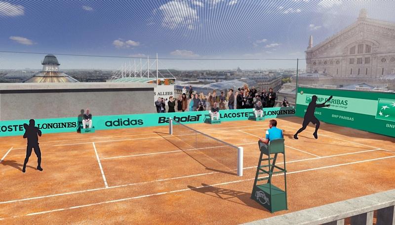 Un terrain de tennis sur le toit des galeries lafayette for Taille d un terrain de tennis