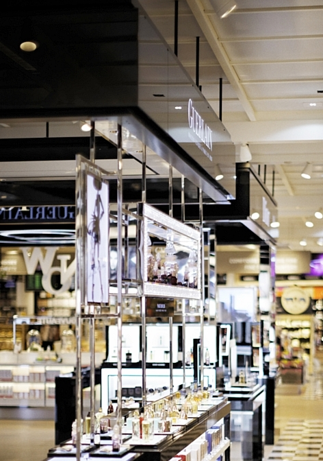 Buy paris duty free premier vrai grand magasin d 39 a roport - Esprit magasin paris ...