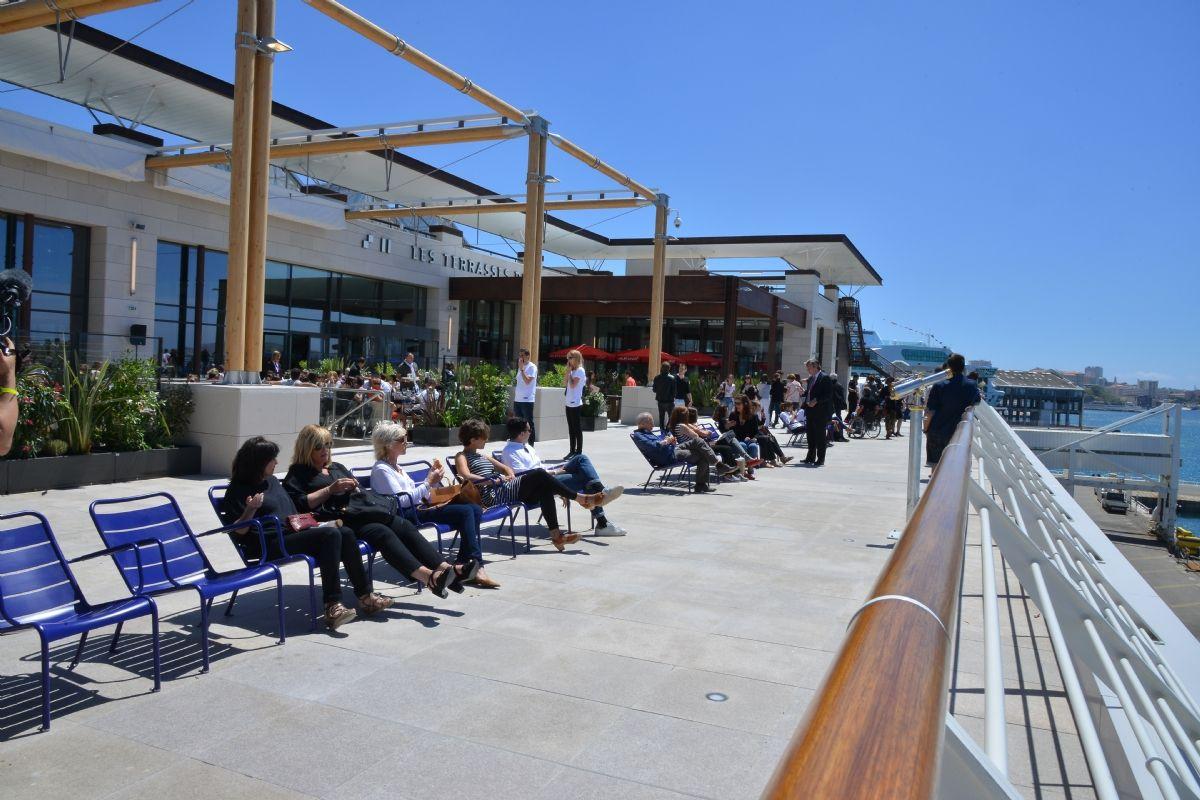 Marseille les terrasses du port larguent les amarres for Terrasse de marseille