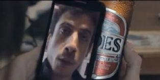 En Argentine, les bouteilles de bière diffusent des messages vidéos via des QR codes