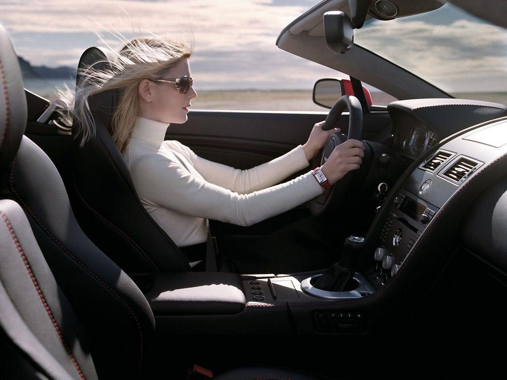la femme un conducteur comme un autre. Black Bedroom Furniture Sets. Home Design Ideas