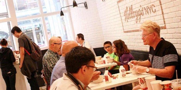 Le magasin Kellogg's a ouvert en 2016 à Broadway une enseigne de restauration ultra design dédiée aux céréales