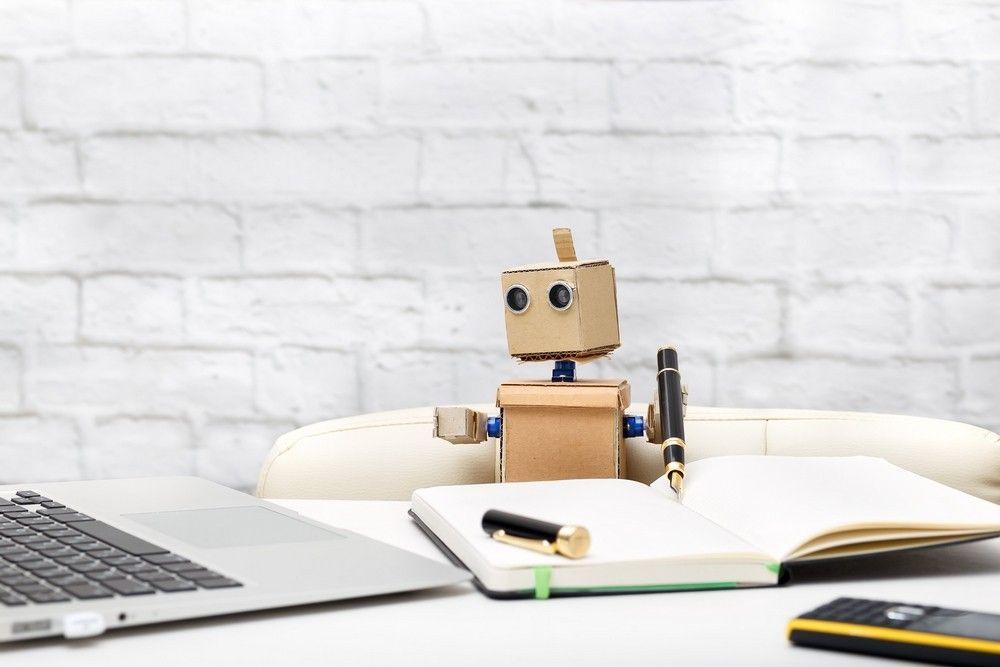 Cas marketing] Guy Hoquet ose la robot-rédaction