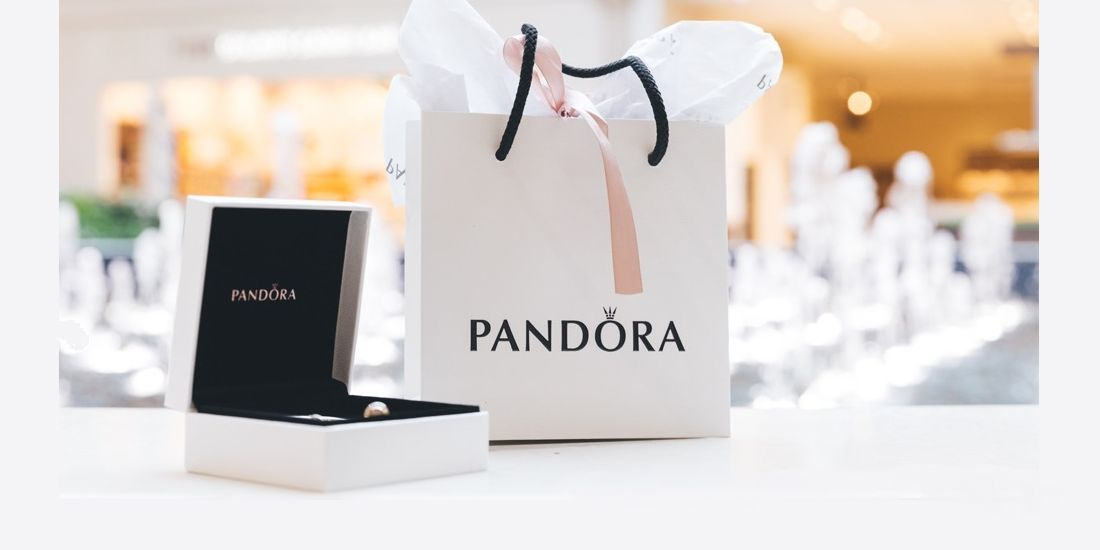 Comment Pandora allie branding et digital