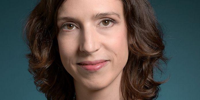 Virginie Leroux, directrice associée en charge du pôle Public Affairs du Bureau Elan Edelman Paris